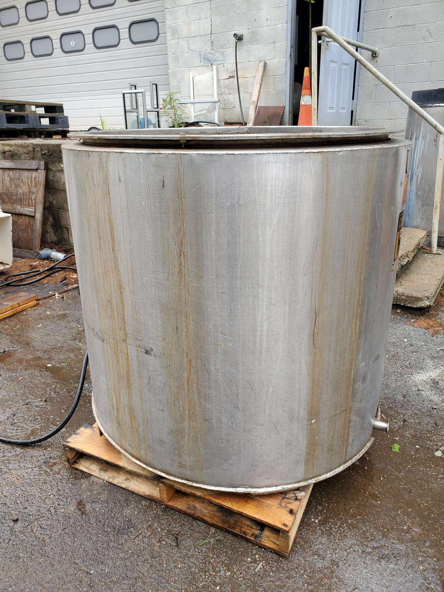 300 Gallon Vertical Jacketed Tank, Type 316 Sanitary Stainless Steel